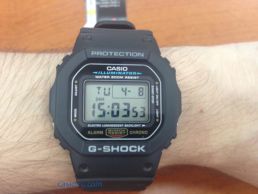 Casio G-Shock DW-5600E-1V — Вид часов на руке