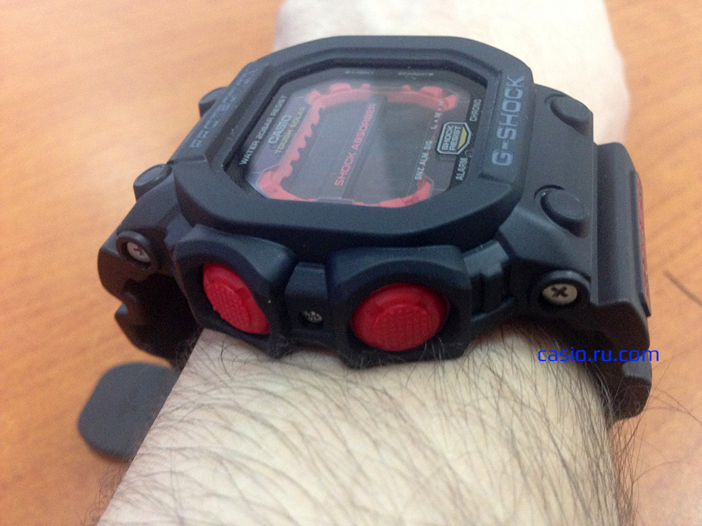 Casio G-Shock GX-56-1A — Вид сбоку на ркуе